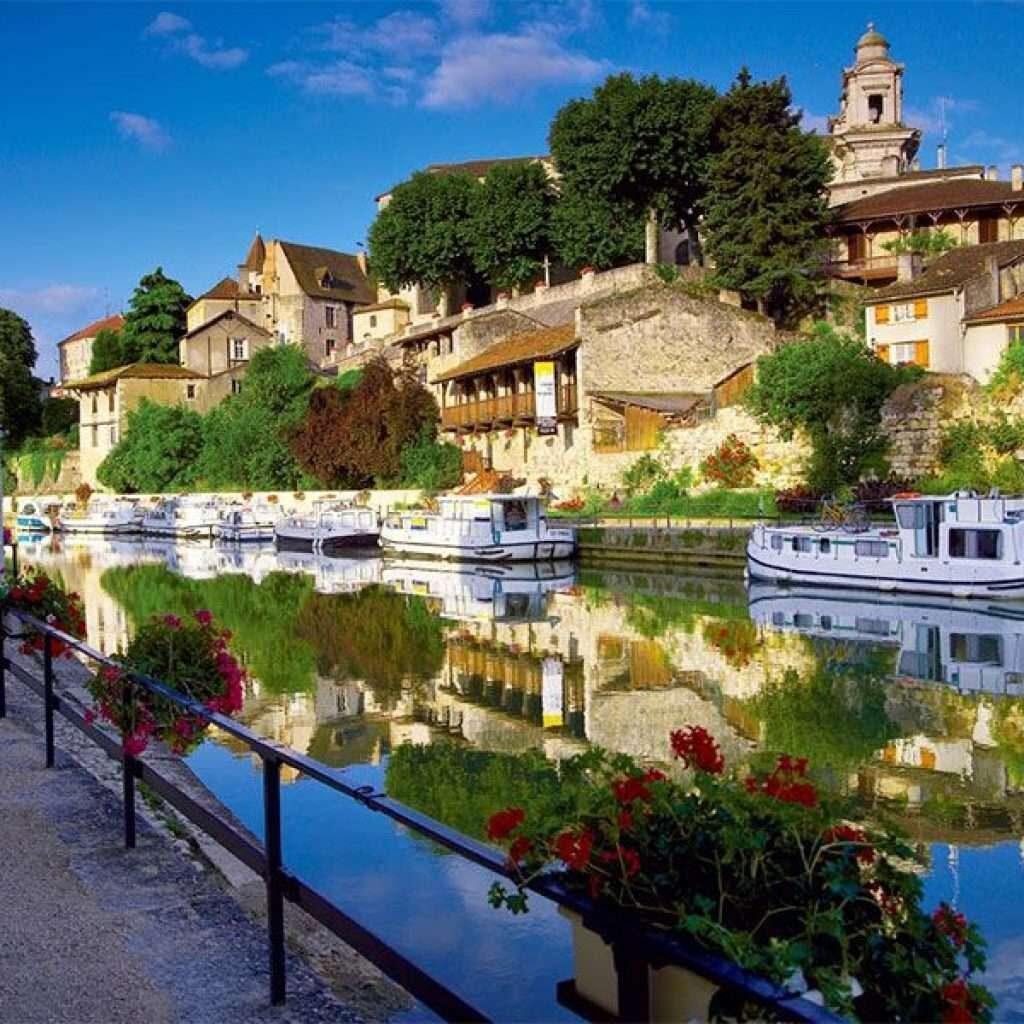 Csatornahajó bérlés Valence Sur Baiseben