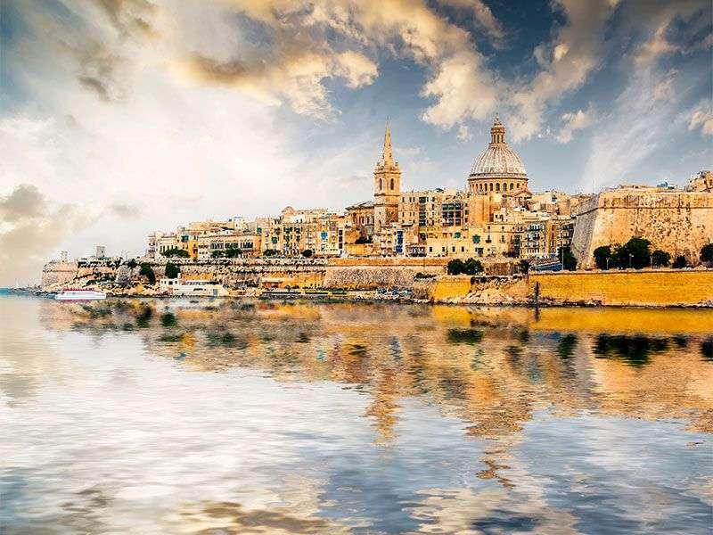 Hajóbérlés Vallettaban