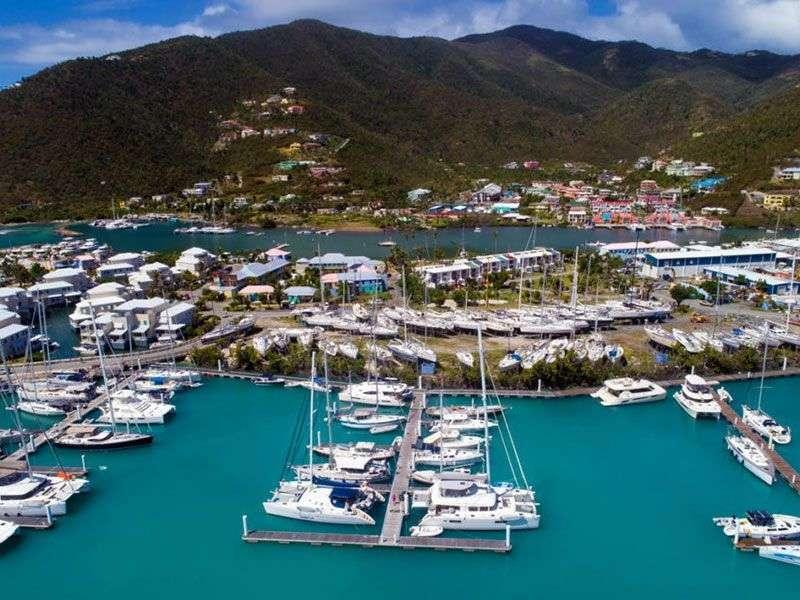 Kikötök Tortola környékén
