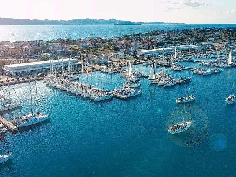 Kikötők Zadar környékén