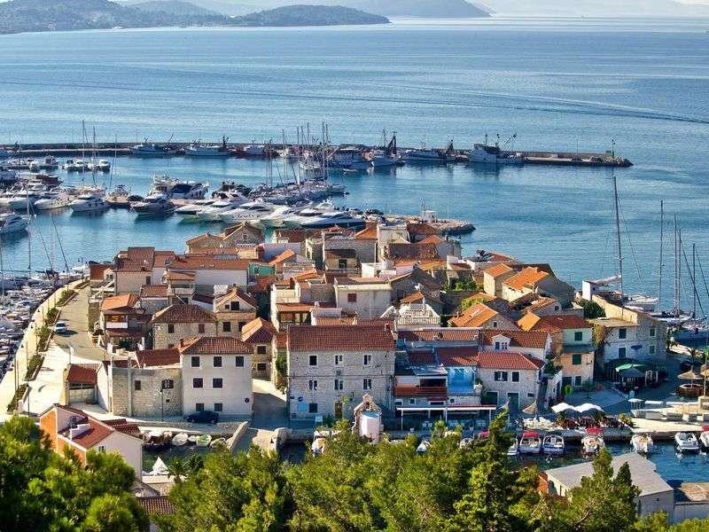 Kikötők Vodice környékén