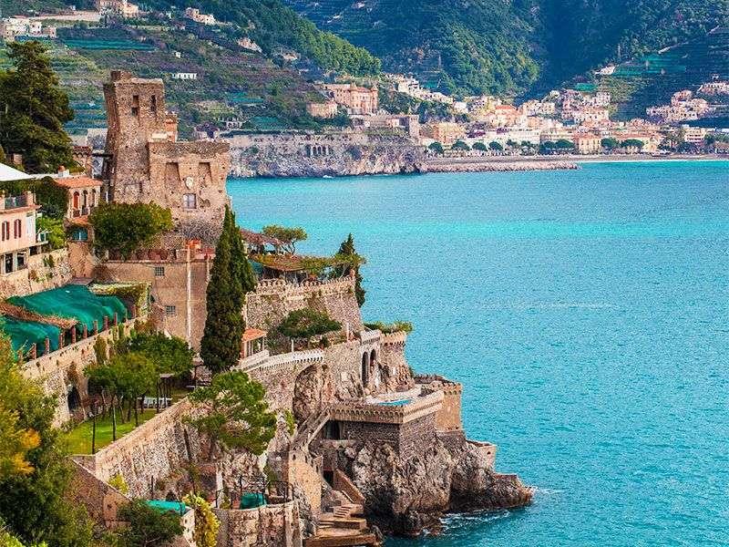 Kikötők és szigetek Salerno környékén