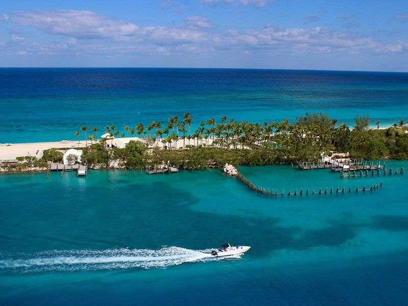 Vitorlázás a Bahamákon