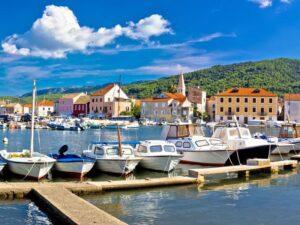 Hajóbérlés Stari Gradban
