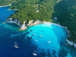 Vitorlázás Mikonoszról Santorinire