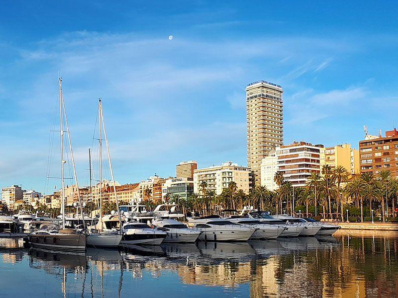 Port in Alicante