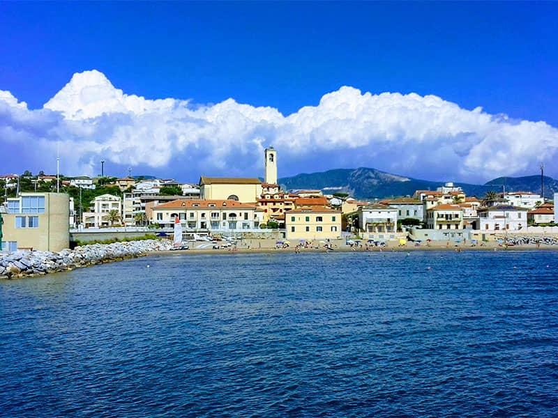 Hajóbérlés San Vincenzo-ban